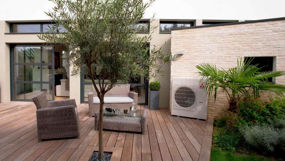 La pompe à chaleur AIR EAU vous permet de réaliser jusqu'à 70% d'économie d'énergie par rapport au énergies fossiles ou à un chauffage électrique !